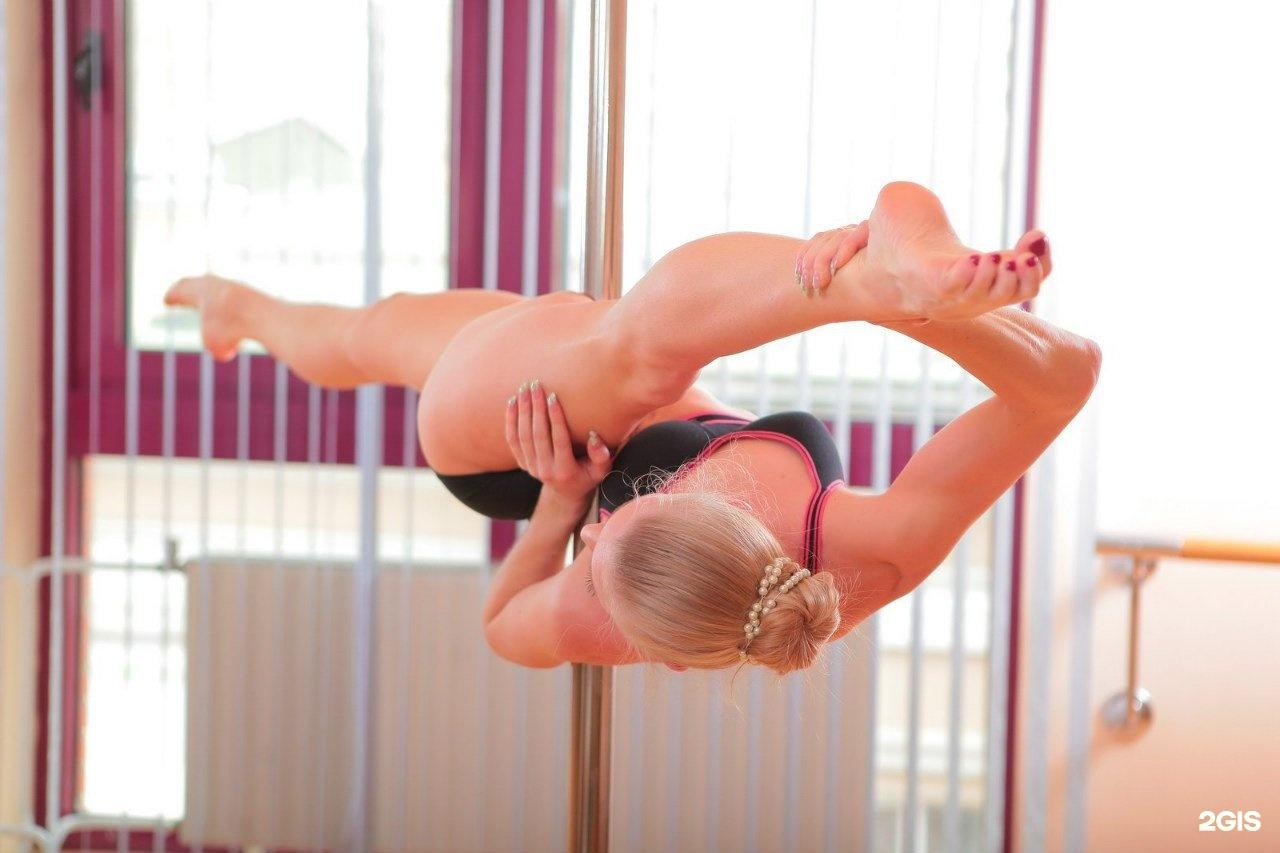 Гимнастка отрабатывает пиздой 1 место