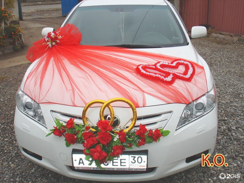 Наряжаем машину на свадьбу своими руками