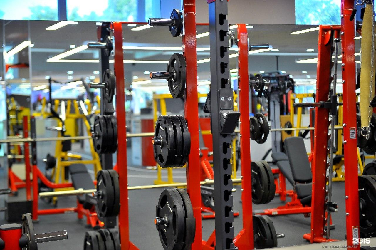 В новый мультифункциональный фитнес клуб сети v7 fitness на кустодиева для создания атмосферы заботы и гостеприимства требуется администратор- кассир.