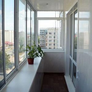 Алюминиевое остекление балкона 6 м г-образный профиль proved.